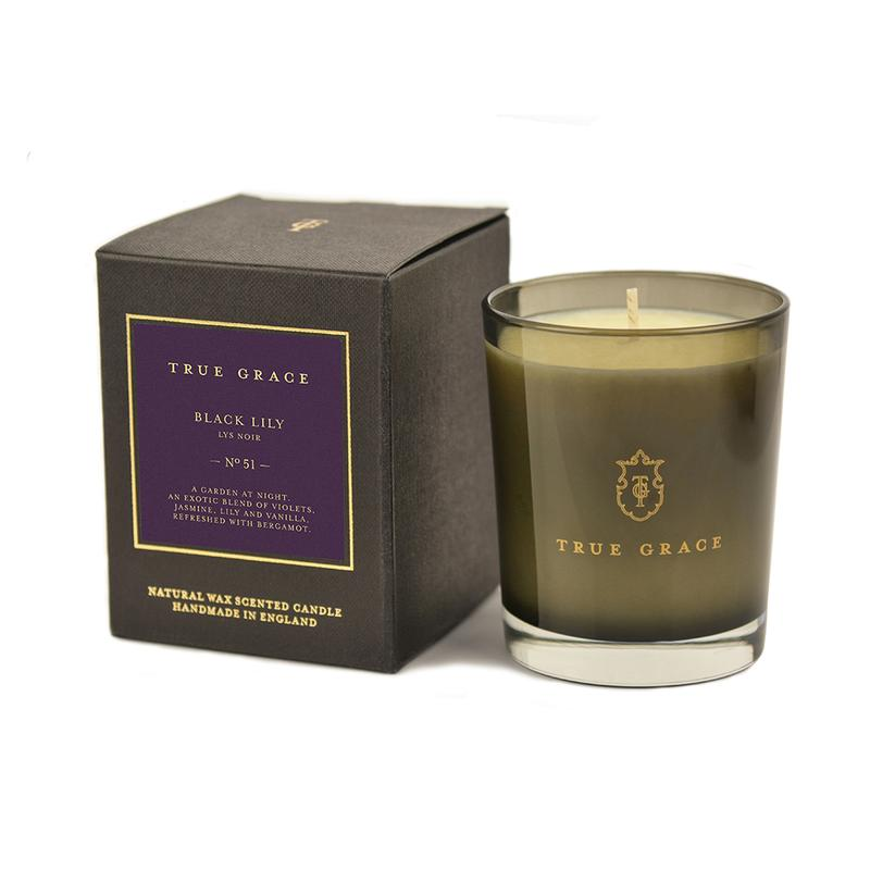 true-grace-black-lily-candle