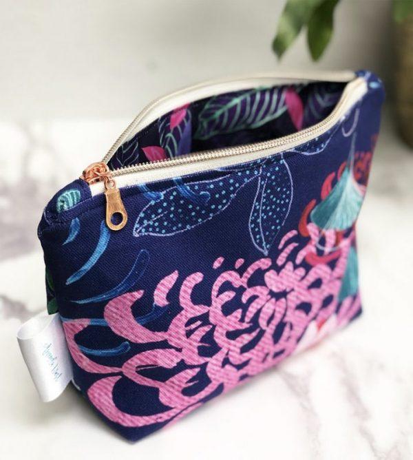 amanda west make up bag