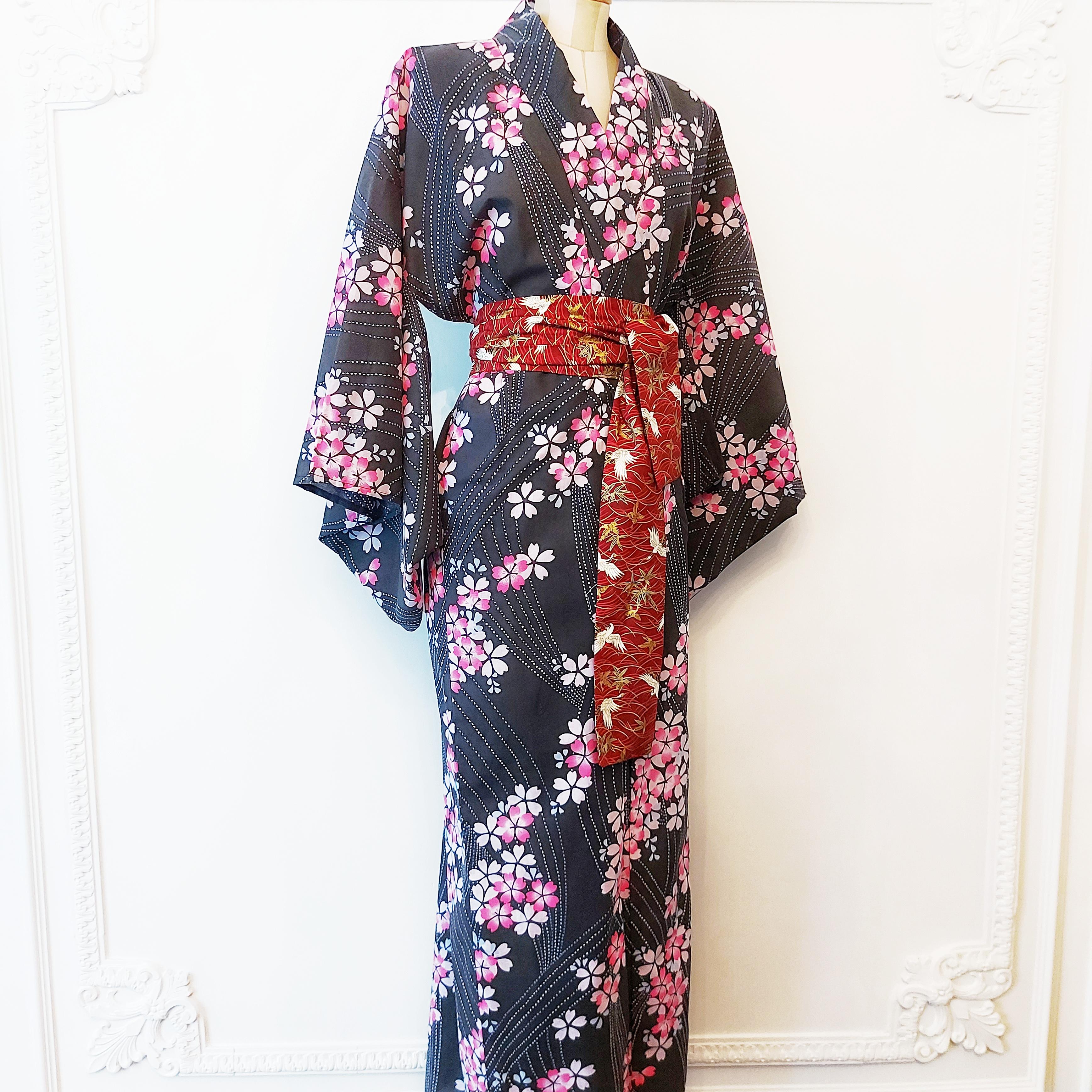 japanese-yukata-kimono-cherry-blossom-