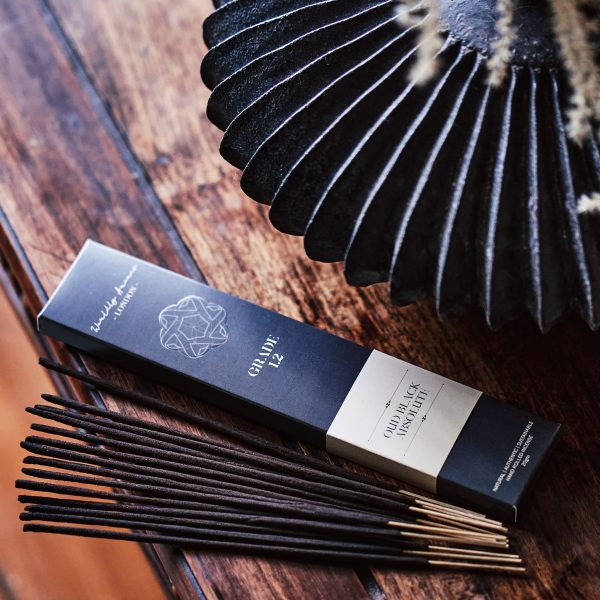 Worldly-Aromas-Oud-Black-Absolute