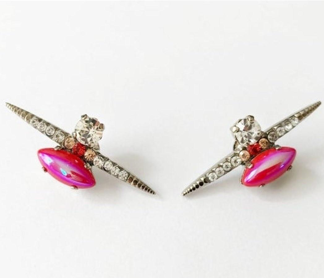 Heiter-jewellery-spike-stone-stud-iridescent-red